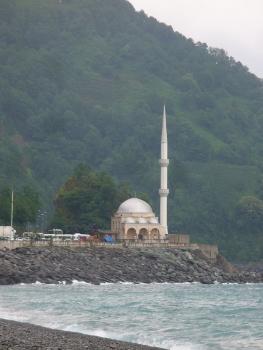 Meczet po tureckiej stronie granicy