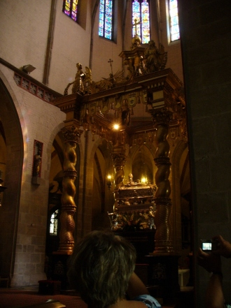 Konfesja z relikwiami św. Wojciecha