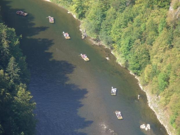 Spływ Dunajcem widziany z Sokolicy - lato, fot. Ewa Urbańczyk