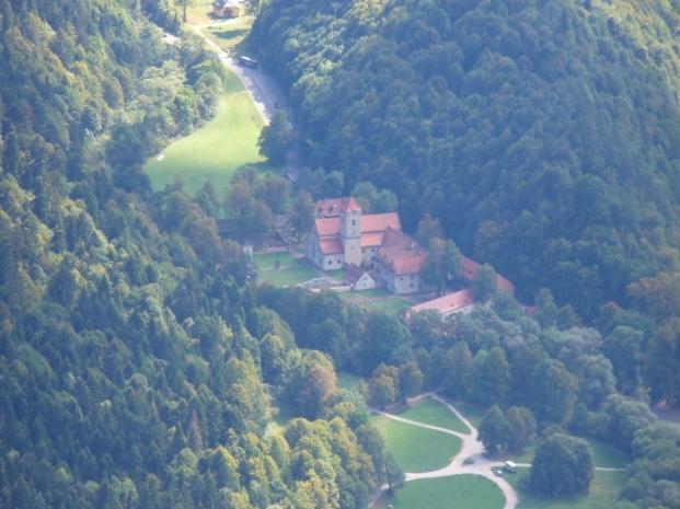 Widok z Trzech Koron na Czerwony Klasztor na Słowacji - lato, fot. Ewa Urbańczyk