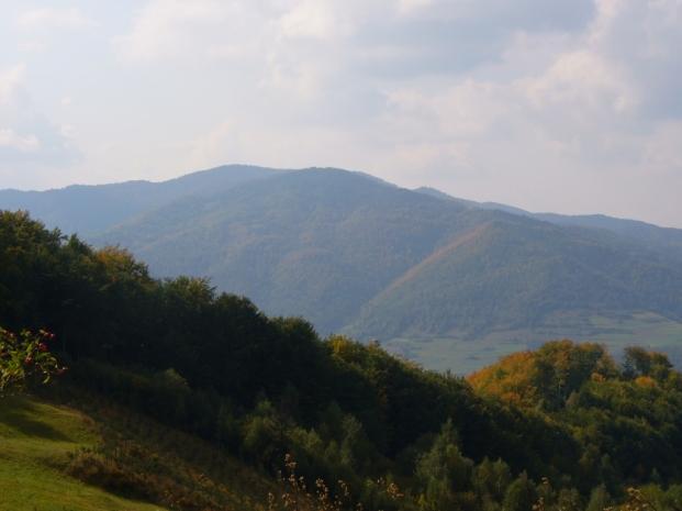 Widok na Pasmo Lubania z Okrąglicy, zdjęcie wykonano dnia 30 IX 2008