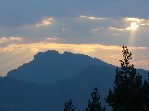 Widok z Bryjarki na Trzy Korony, zdjęcie wykonano 30 IX 2008