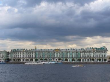 Ermitaż i Newa w Petersburgu