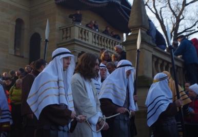 Jezus prowadzony od Piłata do Heroda
