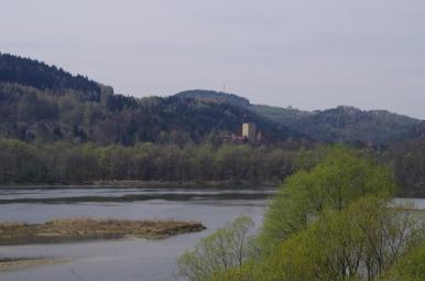 Jezioro Czchowskie i Zamek Tropsztyn