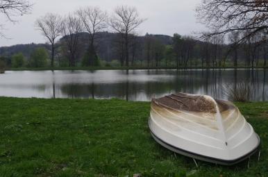 Jeziorko przy dworku Paderewskiego w Kąśnej Dolnej