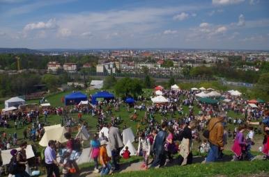 Rękawkowe kramy i widok na Kraków