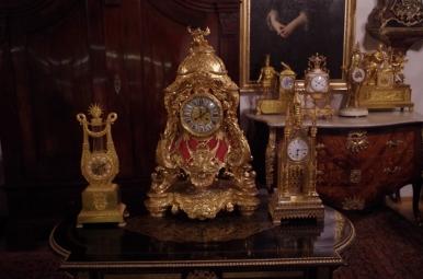 Jeden z zegarów we wnętrzu Kamienicy Hipolitów