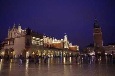 Deszczowy i wieczorny - krakowski rynek