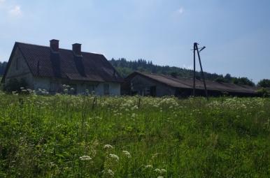 Zabudowania dawnego PGR-u w Lipowcu
