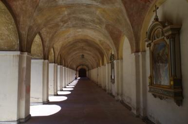 Krużganki sanktuarium w Świętej Lipce