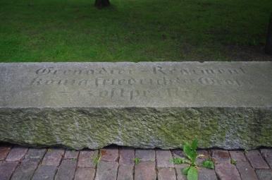 Cokół dawnego, poniemieckiego pomnika w Kętrzynie