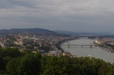 Widok ze Wzgórza Gellerta na Budapeszt