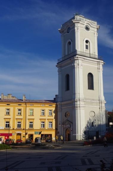 Wieża zegarowa. Muzeum dzwonów i fajek.