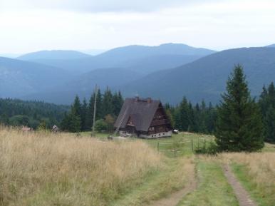 Bacówka na Hali Rycerzowej, zdjęcie wykonano 8 IX 2010 r.