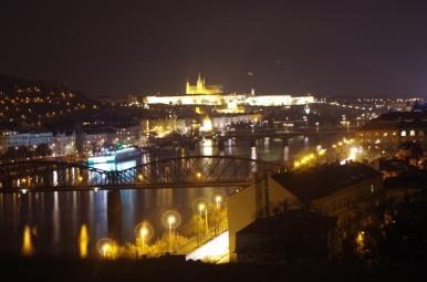 Widok ze wzgórza wyszehradzkiego na Pragę