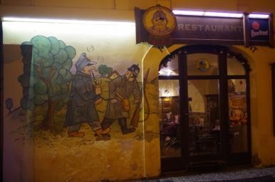 """Jedna z """"podróbek"""" szwejkowych restauracji w Pradze"""