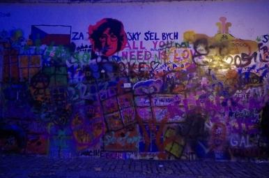 Ściana Johna Lennona, Praga