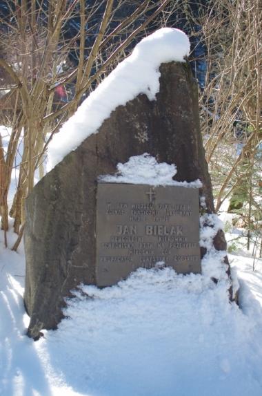 Tablica poświęcona Janowi Bielakowi