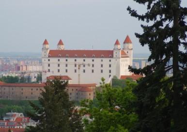 Zamek bratysławski widziany spod Slavína
