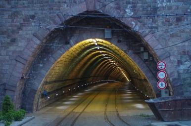 Tunel pod wzgórzem zamkowym