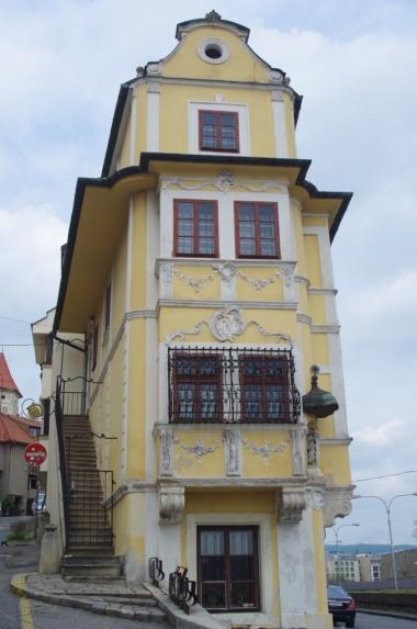 Dom U dobrého pastiera (Dom u dobrego pasterza) - jeden z najwęższych domów w Europie