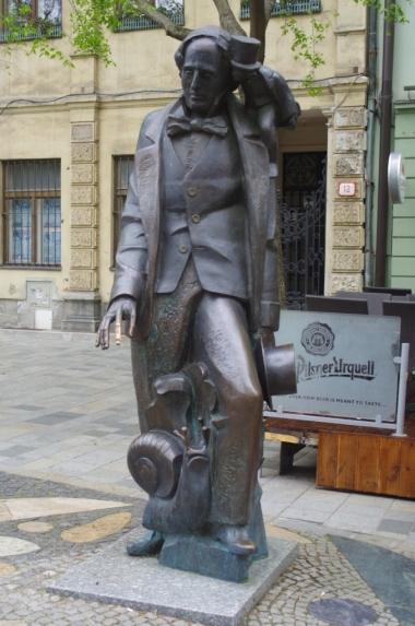 Hviezdoslavovo námestie - pomnik Hansa Christiana Andersena