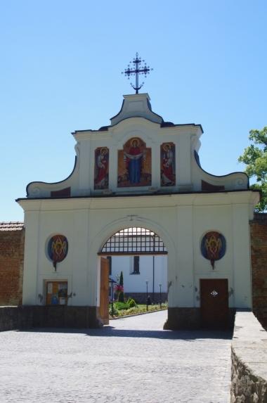 Brama główna Klasztoru Bazylianów w Krechowie