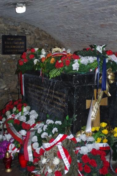 Krypta Żółkiewskich - sarkofag ze szczątkami hetmana Żółkiewskiego