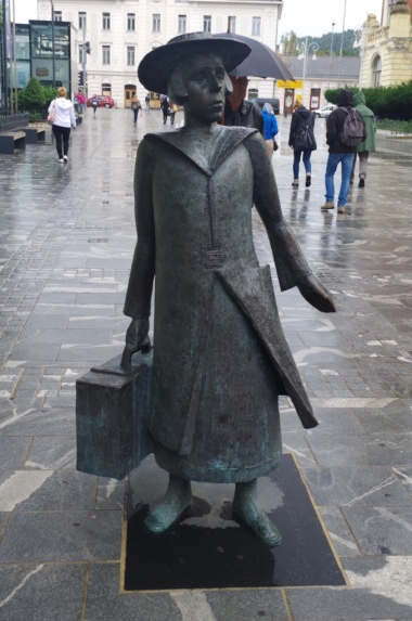 Pomnik pisarki Almy Karlin w Celje
