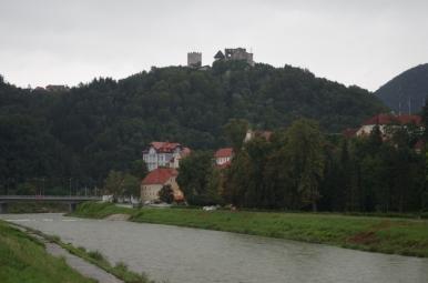 Rzeka Savinja i Stari Grad (Stary Zamek) w Celje