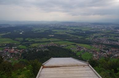 Šmarna Gora - widok w dół znad przepaści