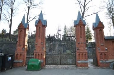 Cmentarz na Rossie - brama wejściowa, zdjęcie wykonano 18.04.2012 r.