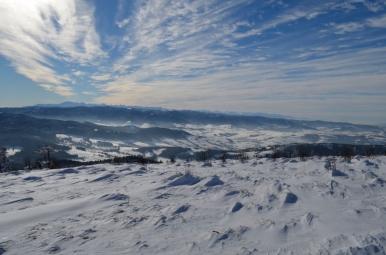 Widok z Ćwilina na Gorce i Tatry