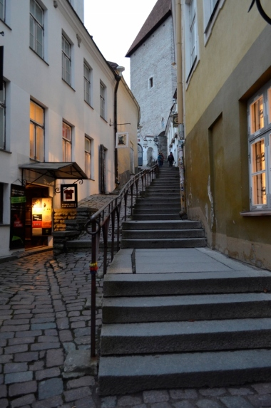 Uliczka Lühike jalg, Tallin