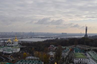 Widok z Wielkiej Dzwonnicy Ławry Pieczerskiej na Dniepr