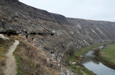 Wykute w skale groty - Orheiul Vechi (Stare Orhei)